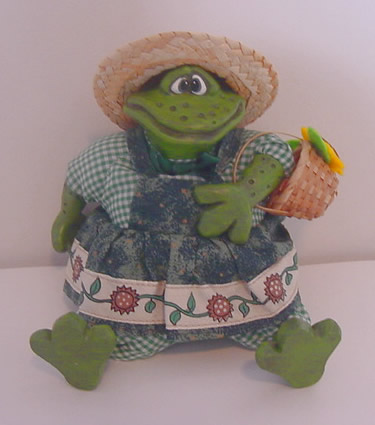 Kathleen Kelly gardener frog, Mrs Garden Hopper - Click Image to Close