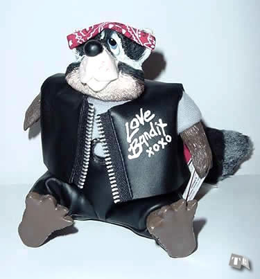 Racoon, Love Bandit - Kathleen Kelly Collectibles